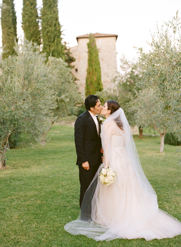 Bride and Groom kissing at a Villa in Tuscany